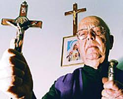 amorth(1) I giovani e il diavolo, intervista a Padre Gabriele Amorth, l'esorcista più conosciuto al mondo