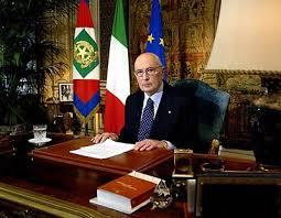 PresidenteNapolitano Signor presidente: SALVI ELUANA. Firma anche tu l'appello a Napolitano.