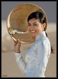 http://tbn3.google.com/images?q=tbn:Gm1f_AdVlYnWTM:http://thovietnam.avn.vn/Portals/0/images/Tac%2520pham/2009/thang%25203/Ngay%252030/Nu%2520cuoi%252012.jpg