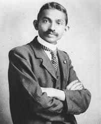 http://tbn3.google.com/images?q=tbn:QU-_-MGLrrqQhM:http://upload.wikimedia.org/wikipedia/commons/e/e5/Gandhi_costume.jpg