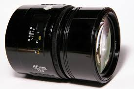 Minolta AF Alpha/Dynax/Maxxum 135mm f/2.8 via Dyxum.com