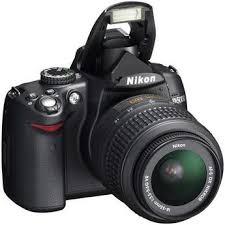 615725 Nikon D5000 Black SLR Digital Camera Kit w/ 18 55mm Lens   $770 Shipped