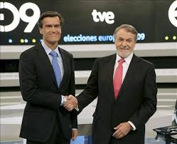 Aguilar (PSOE) y Mayor Oreja (PP)